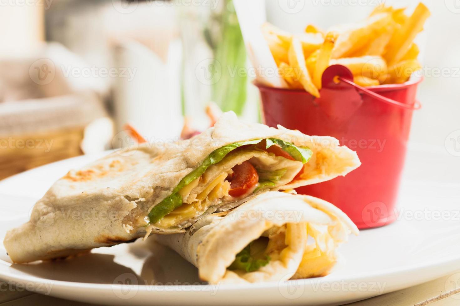 pita sandwich photo