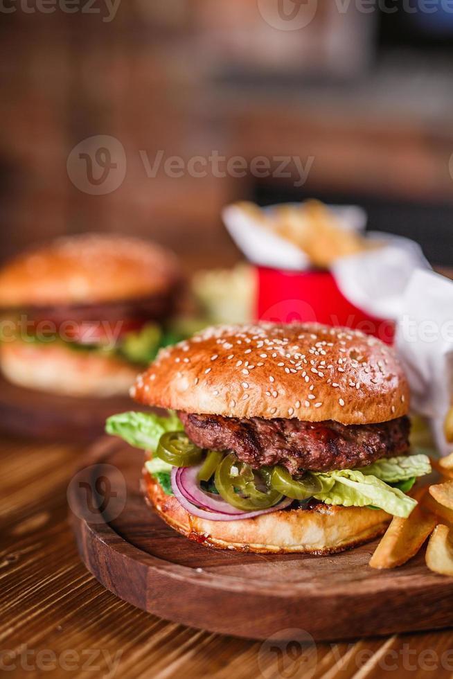 primer plano de hamburguesa casera foto