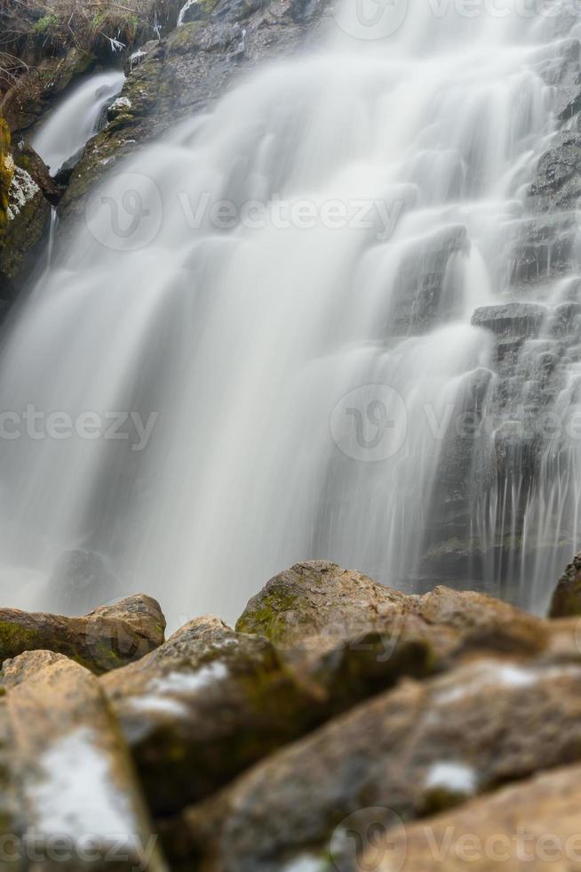 cascada roca piedras otoño foto