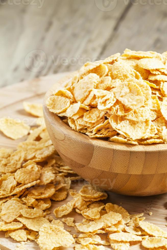 Corn flakes in a bowl photo