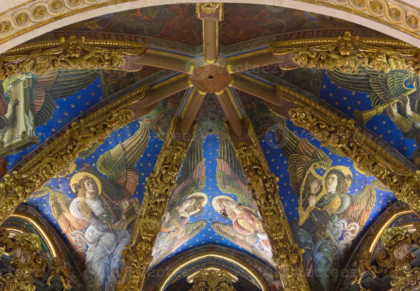 frescos renacentistas de la catedral de valencia foto