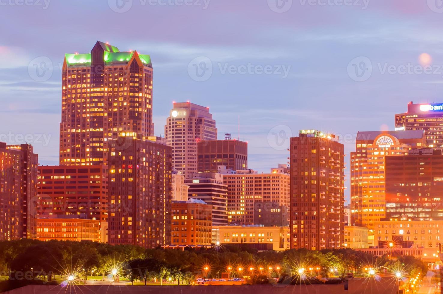 ciudad de st. Louis skyline. imagen de st. louis foto
