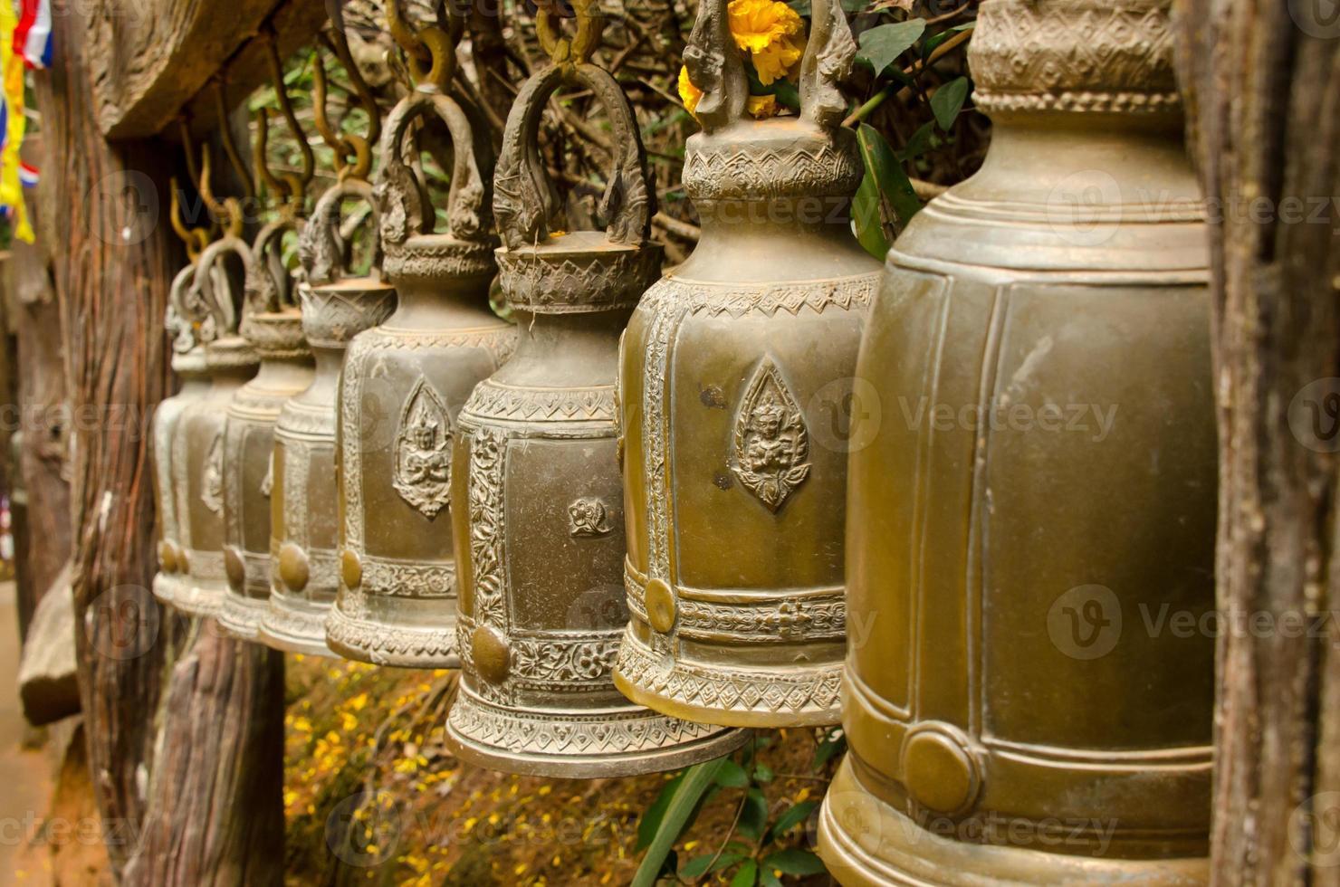 campanas tailandesas de bronce foto