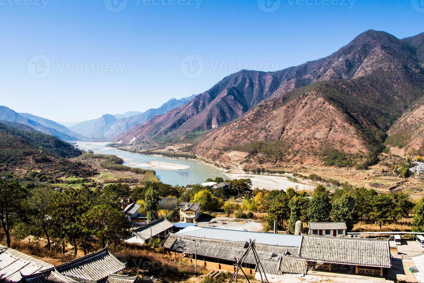 primera curva del río yangtze foto