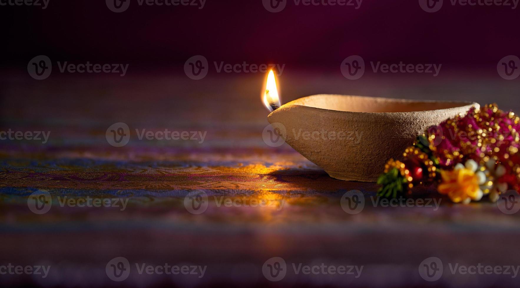 lámpara de aceite de diwali foto