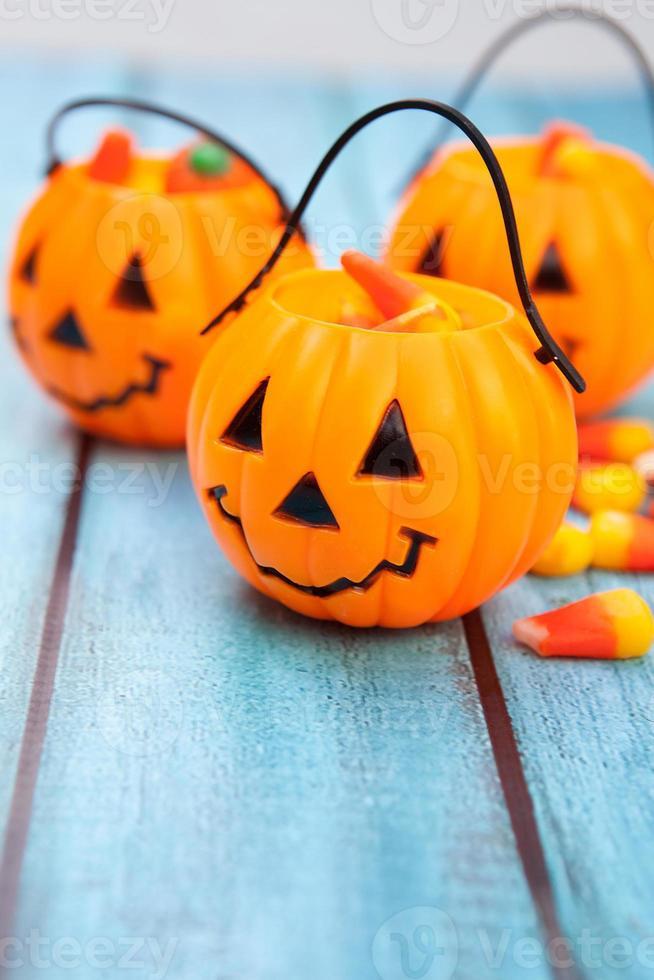fundo de doces de halloween com espaço de cópia foto
