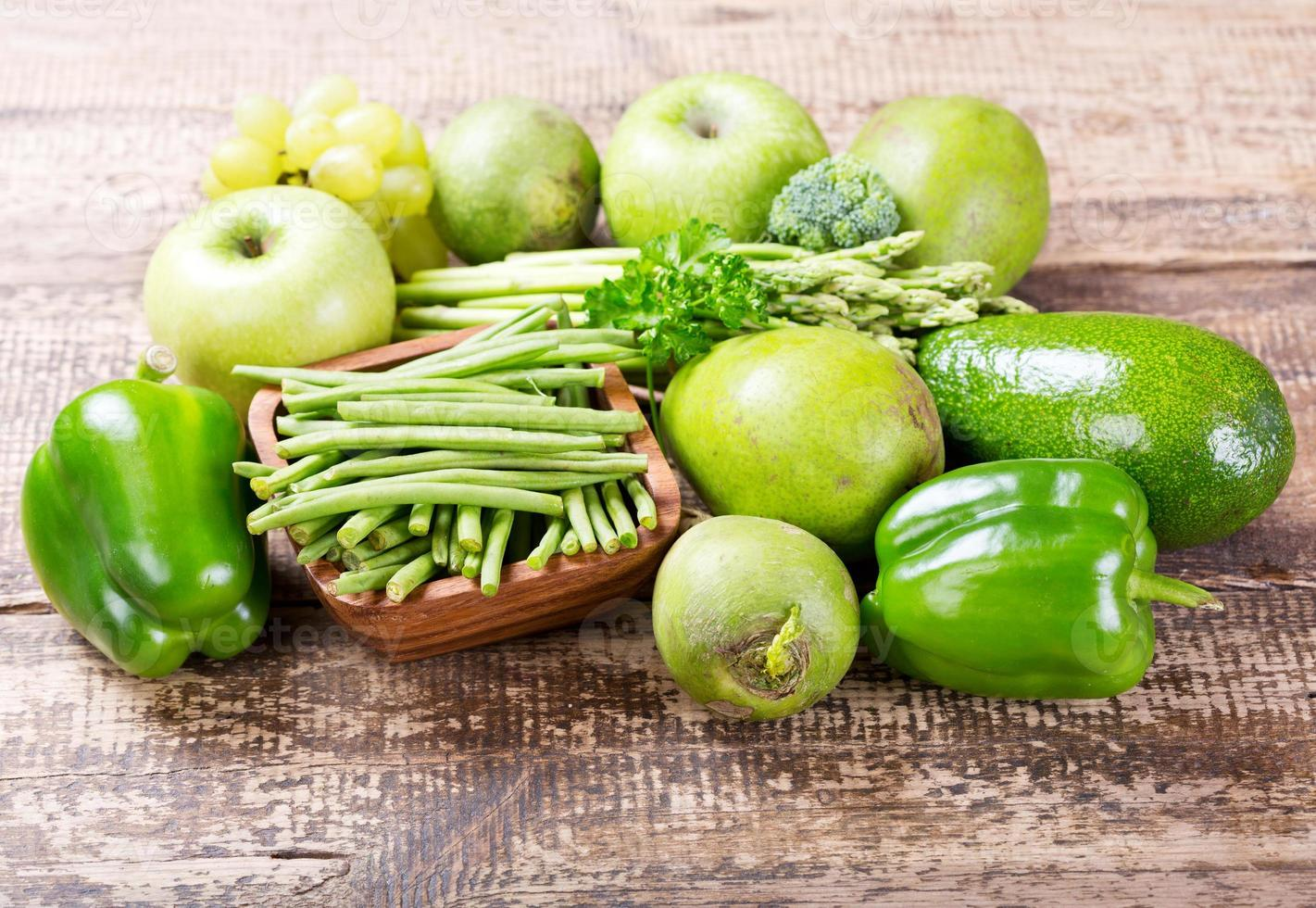 green fruit and vegetables photo
