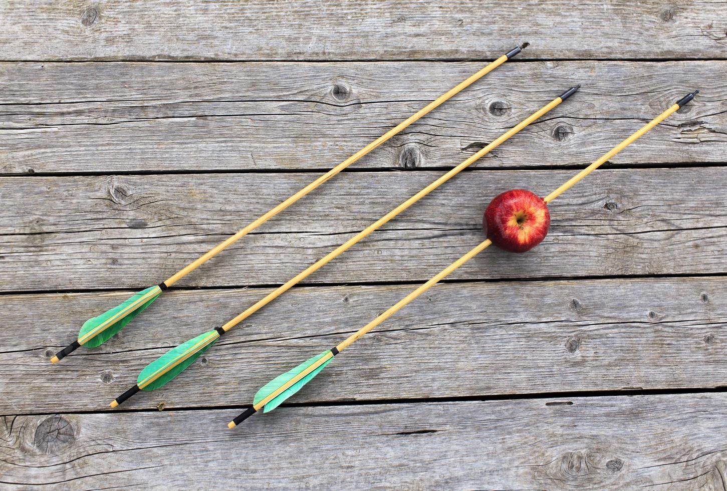 arrow pierced Apple photo