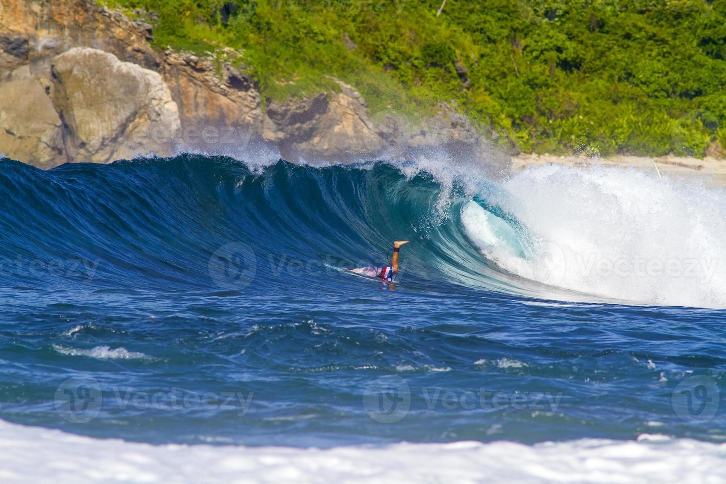 olas oceánicas.lombok island.indonesia. foto
