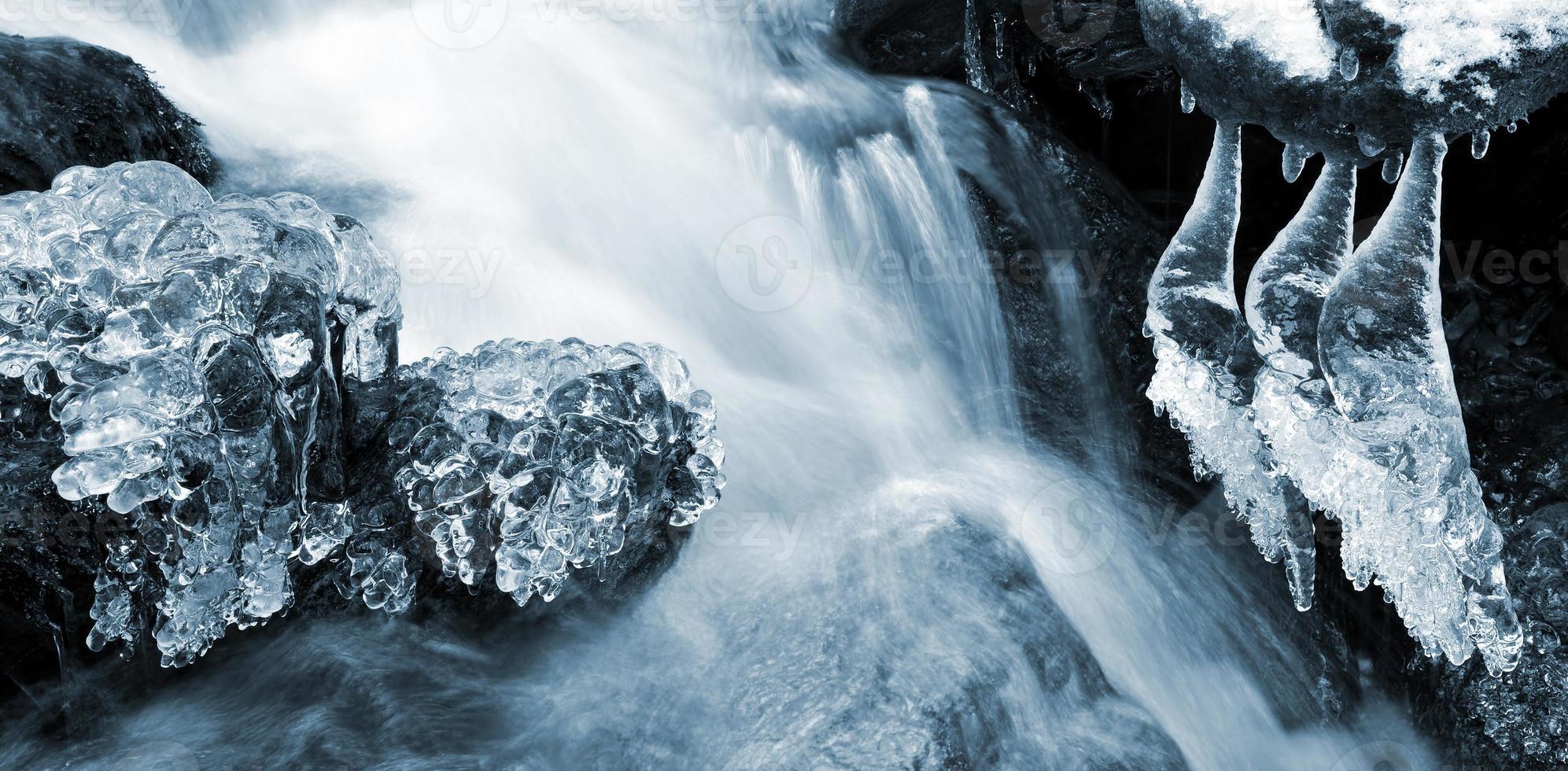 arroyo de invierno foto
