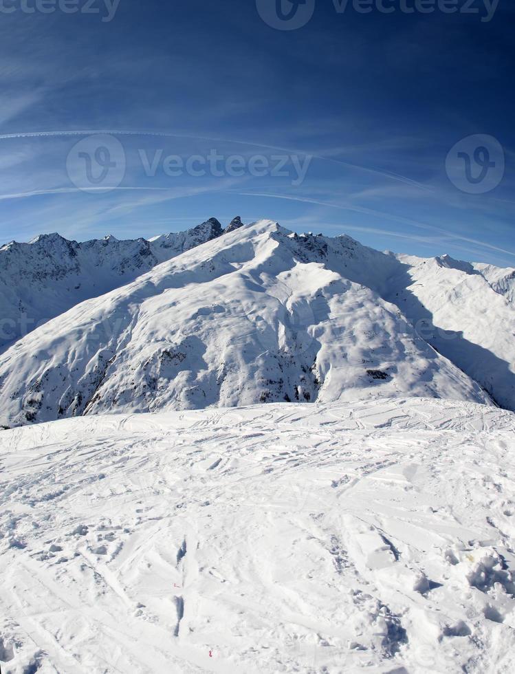 montaña de invierno foto