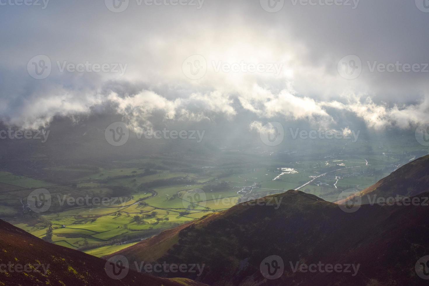 luz da montanha do inverno foto