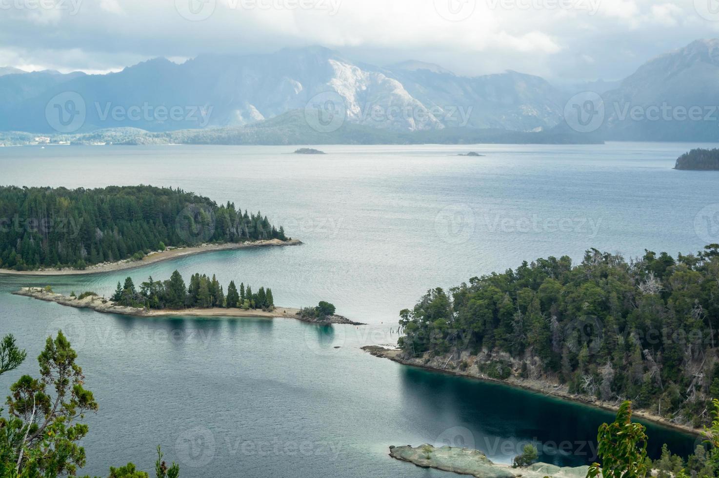 orilla del lago foto