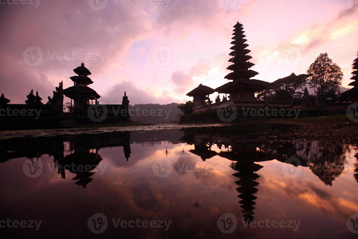 ásia bali ulun danu templo foto