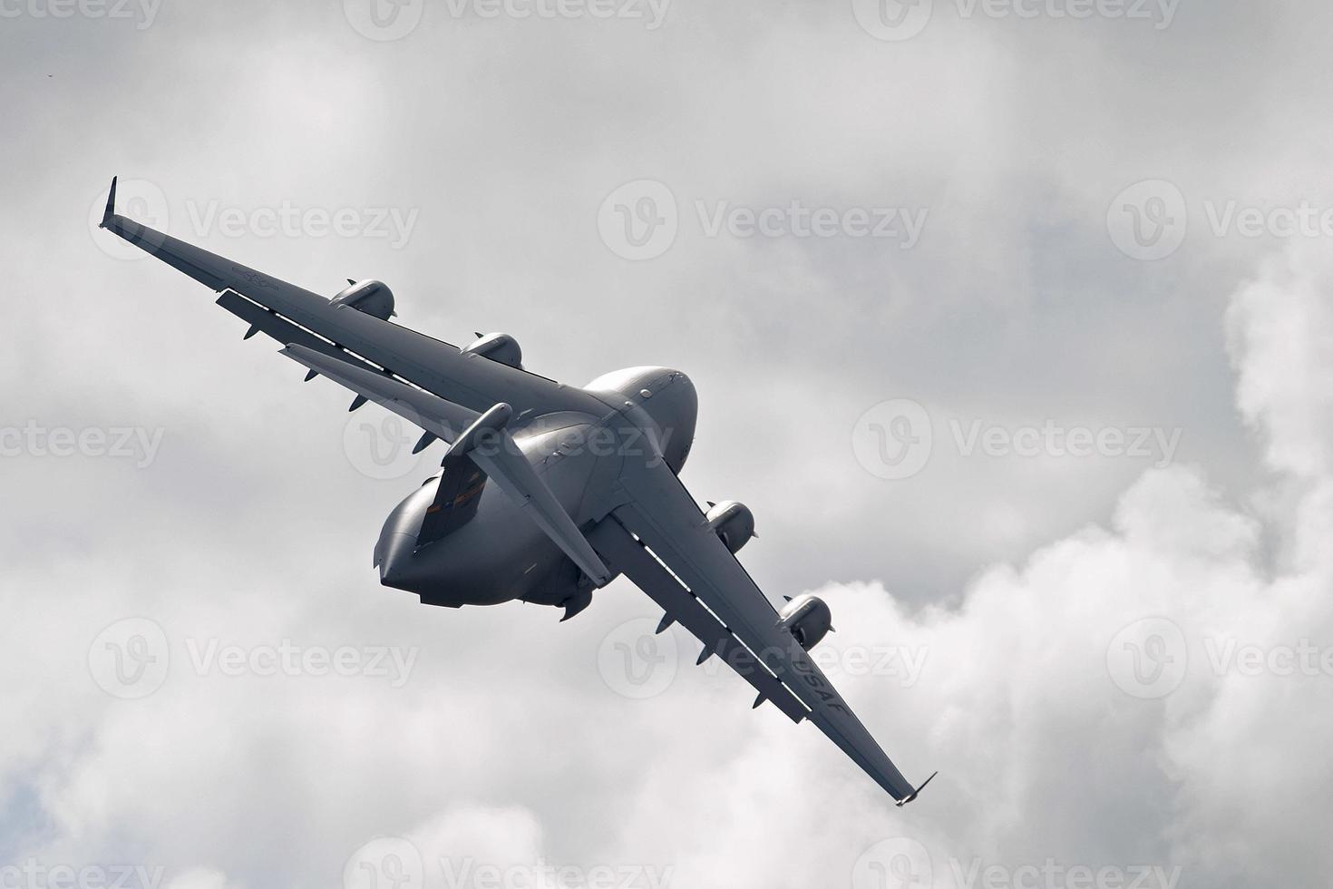 C-17 Globemaster III photo