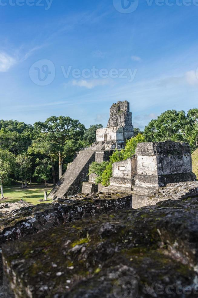 Ruinas mayas en tikal, parque nacional. Viajando por Guatemala. foto