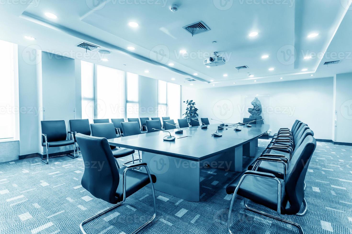 sala de reuniones de negocios en la oficina foto
