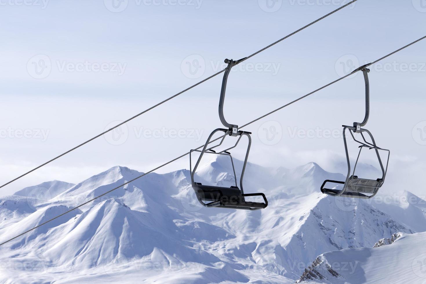 teleférico en la estación de esquí foto