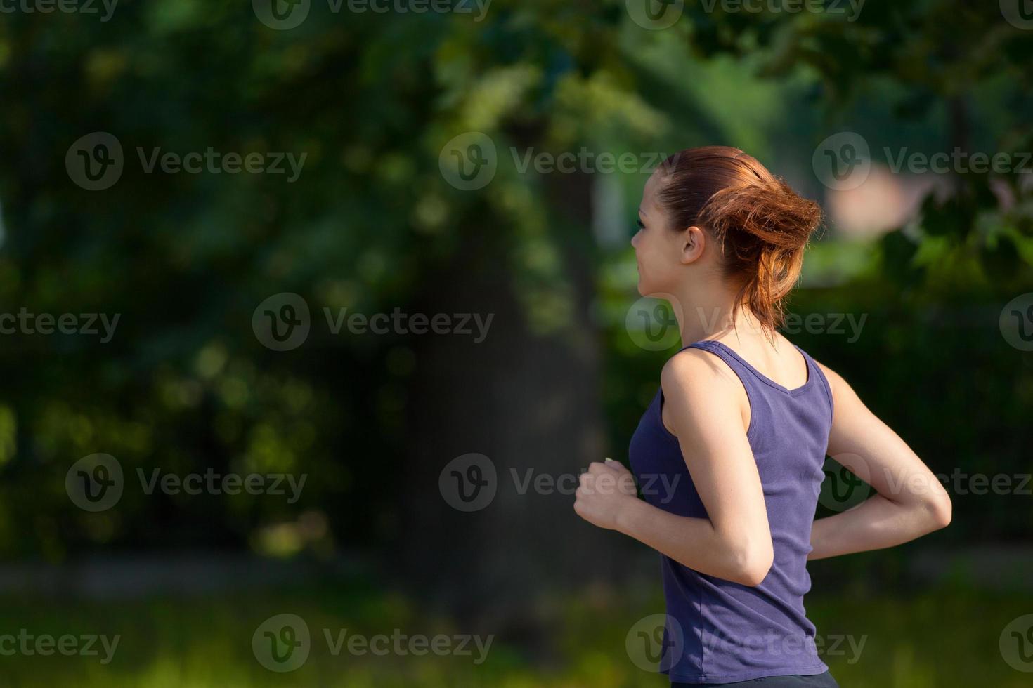 mujer corriendo foto