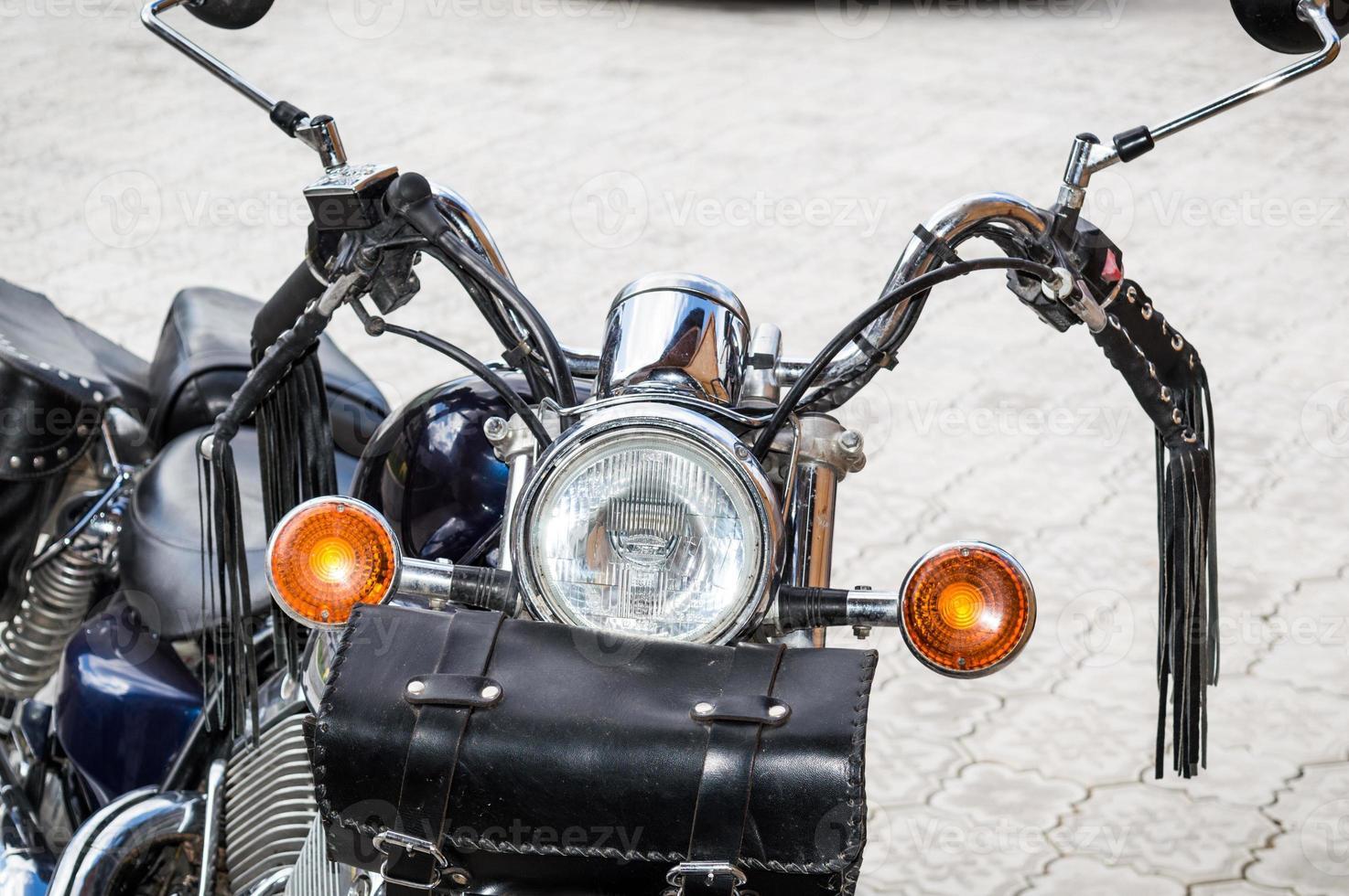 vista frontal de la motocicleta clásica foto