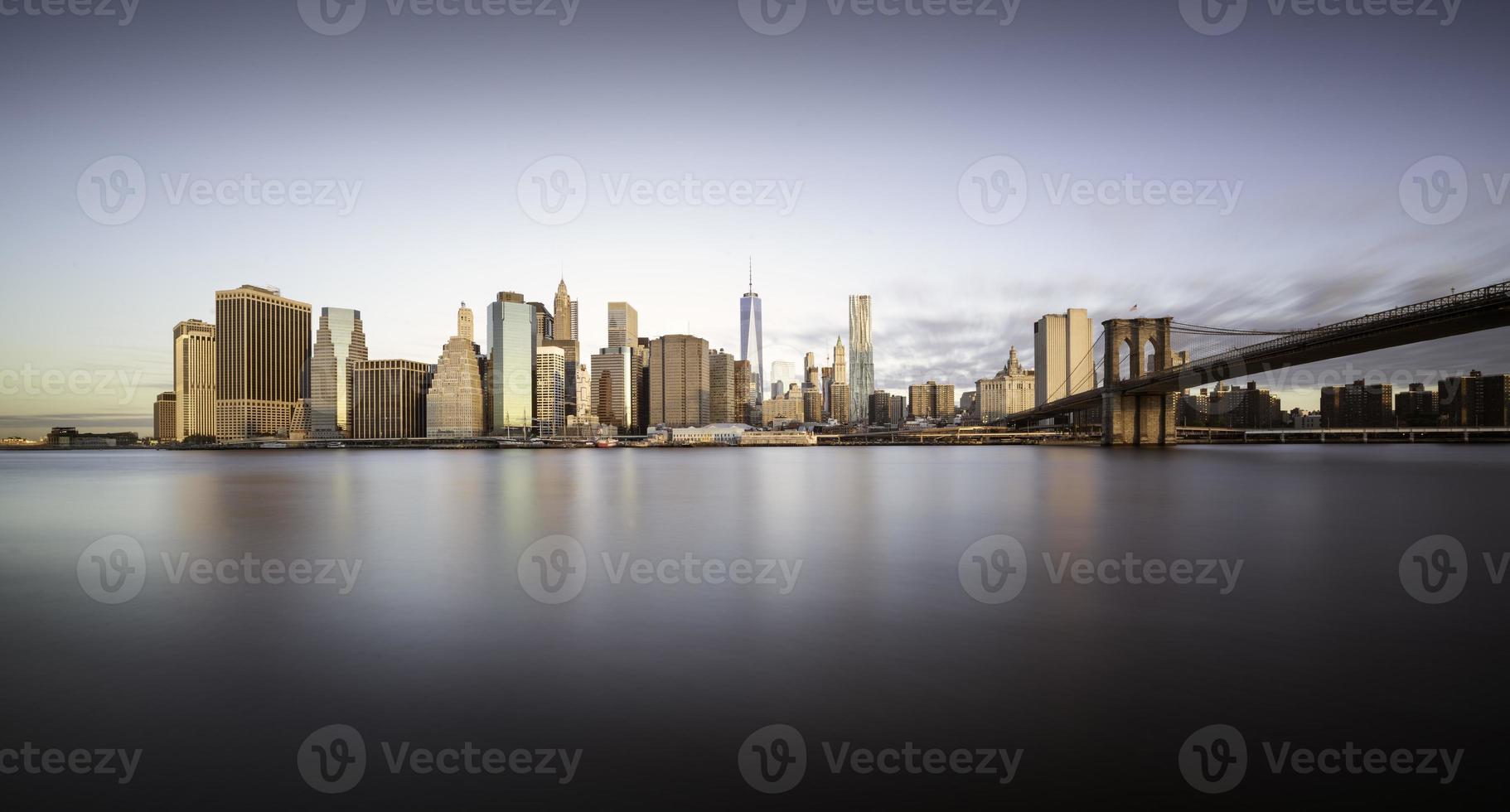 Manhattan sunrise, New york photo