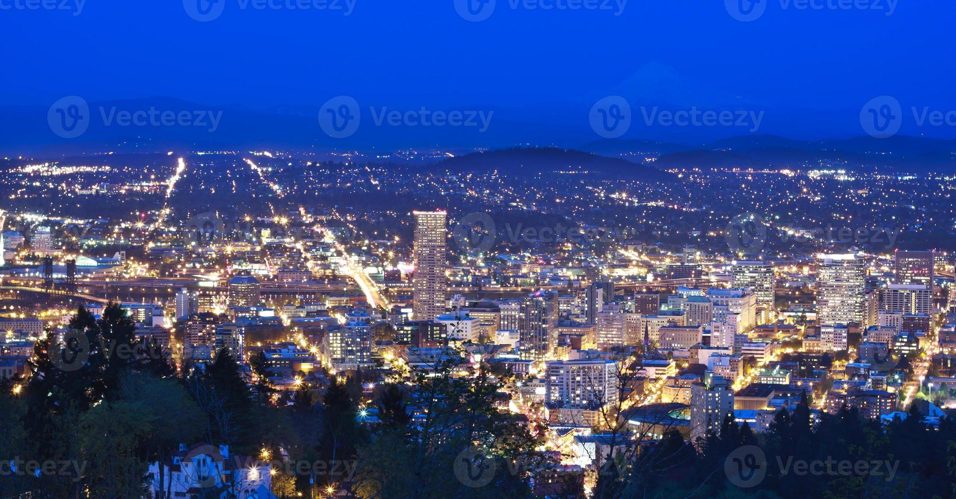Beautiful Night Vista of Portland, Oregon photo