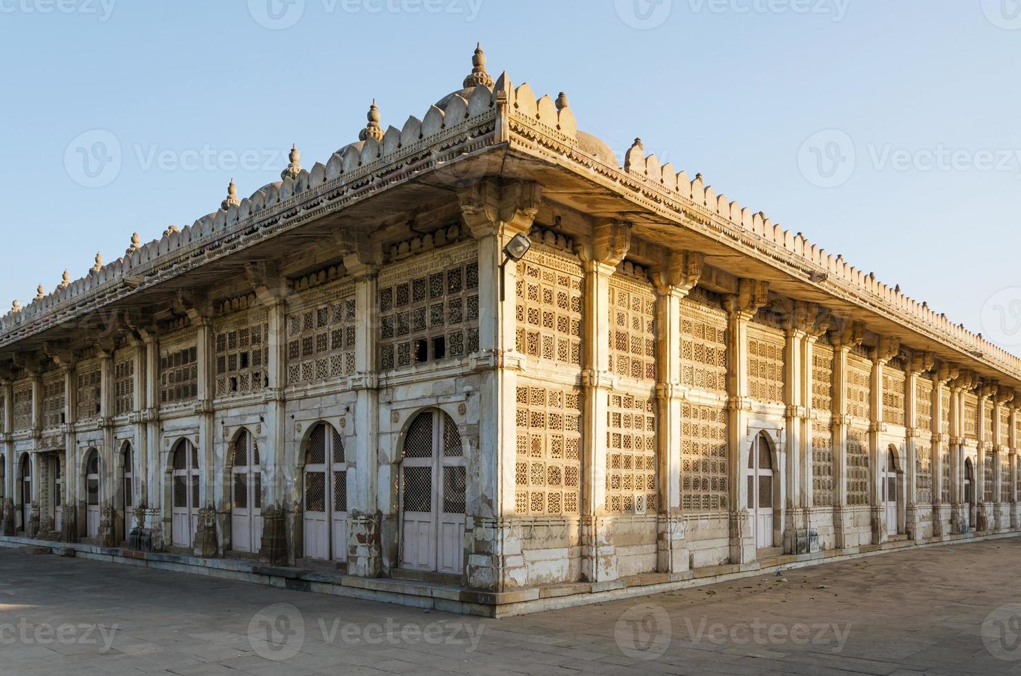 Sarkhej Roza mosque in Ahmedabad, Gujarat photo