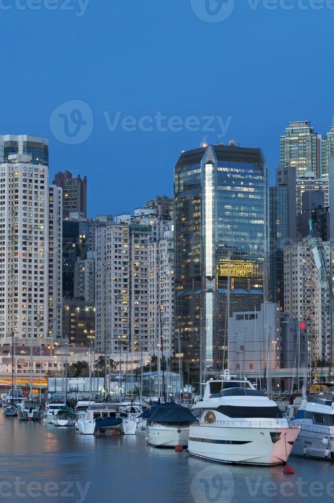 puerto de hong kong en la noche foto