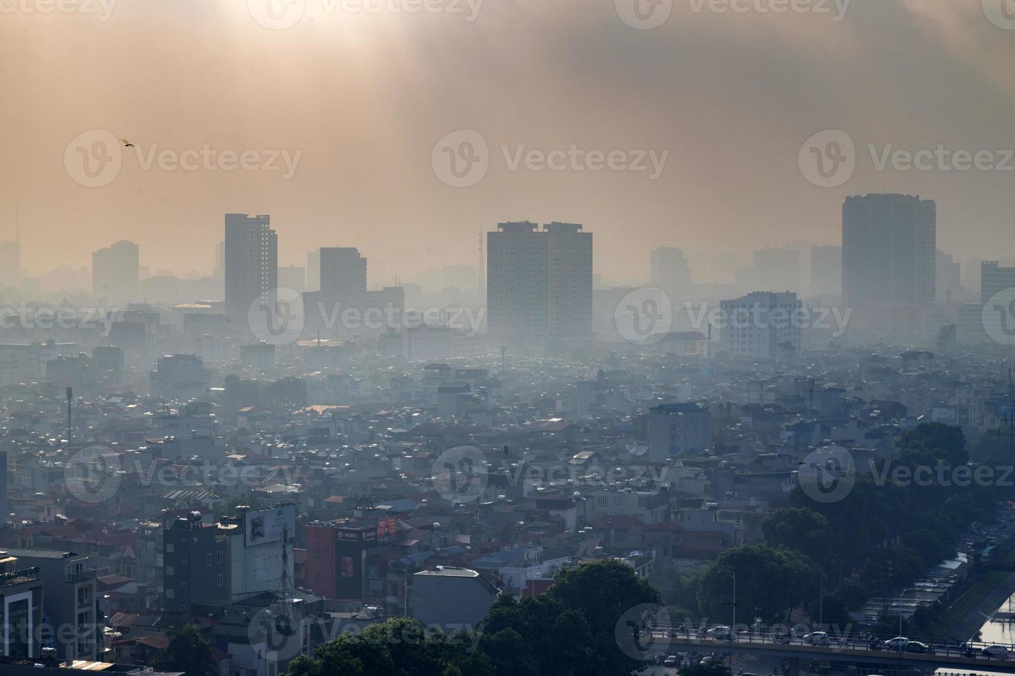 vista aérea del paisaje urbano del horizonte de hanoi foto