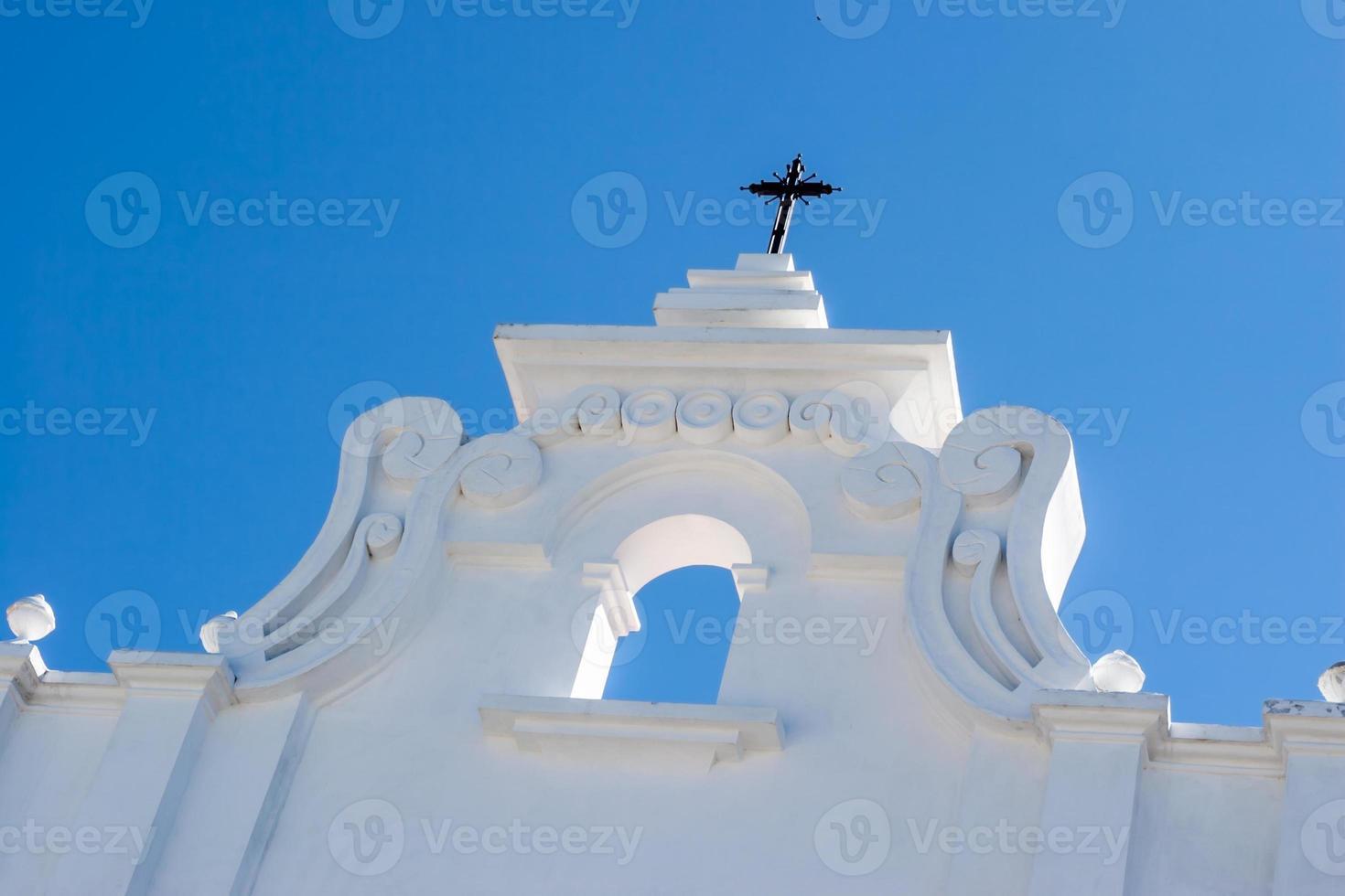 fachada de la iglesia colonial foto