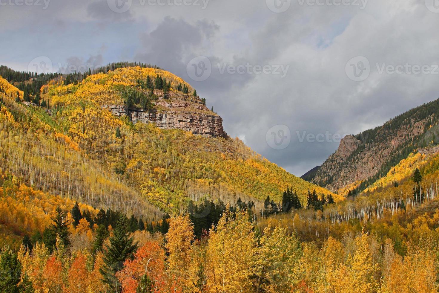 montañas del área de denver en el otoño foto