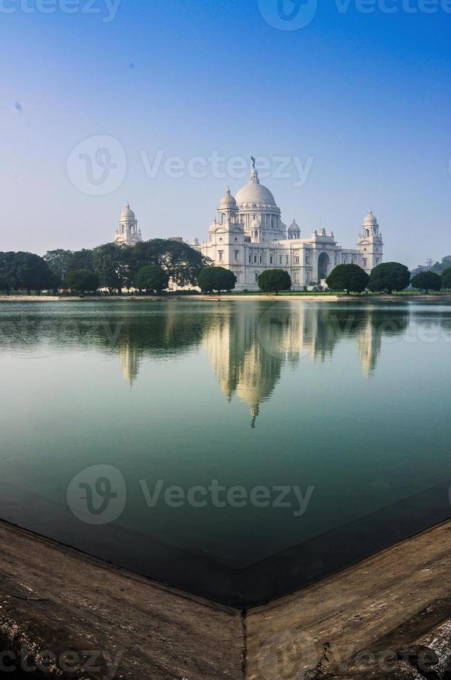 Victoria Memorial, Kolkata, India - Reflexión sobre el agua. foto