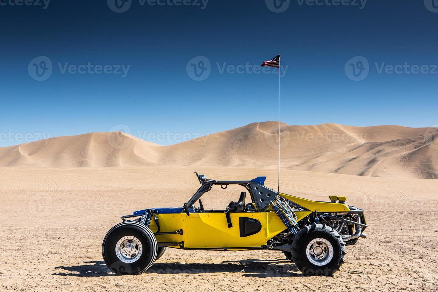 buggy en las dunas foto