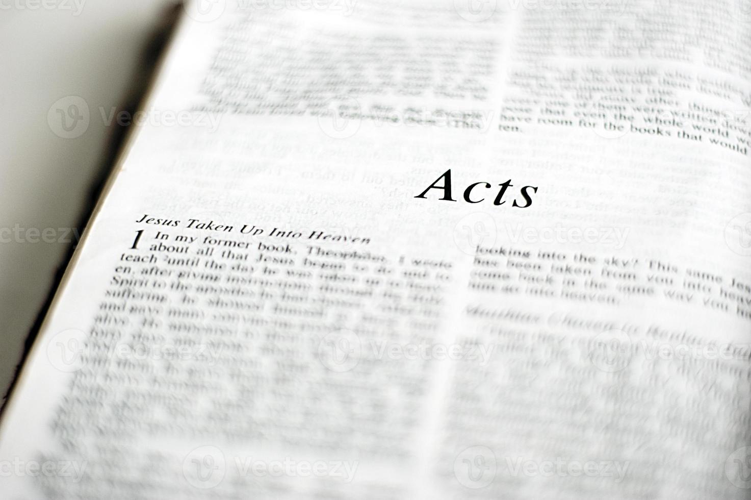 libro de actos en la biblia foto