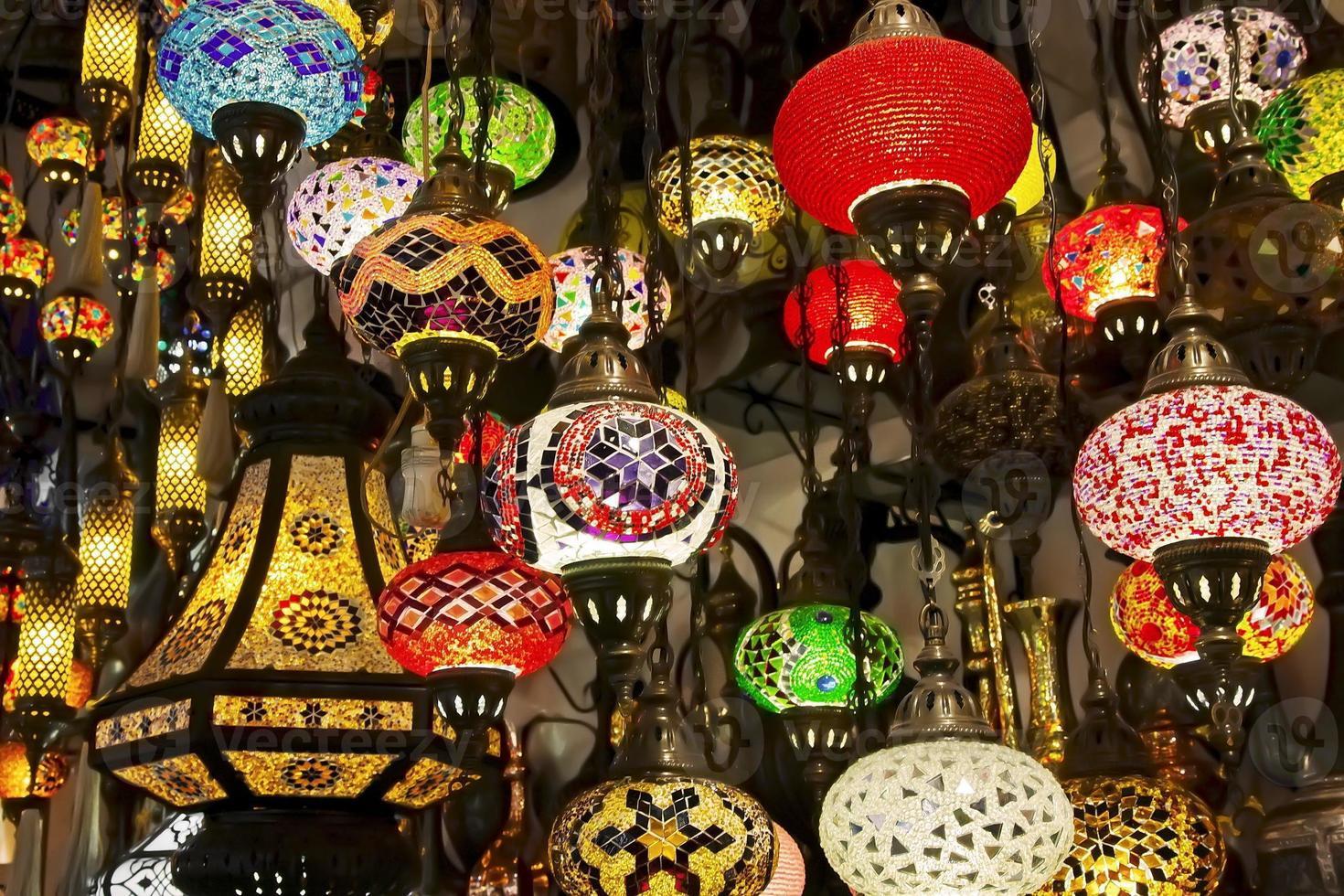 linternas en el gran bazar. Estanbul foto