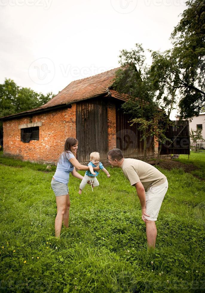 familia en la granja foto