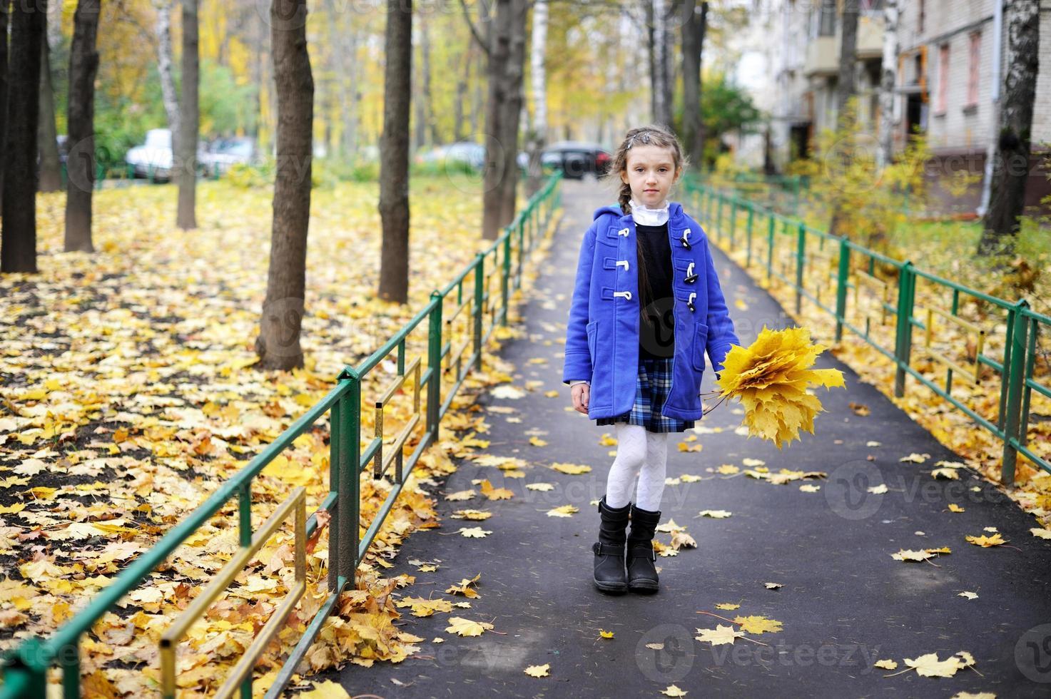 niña niño en el parque foto