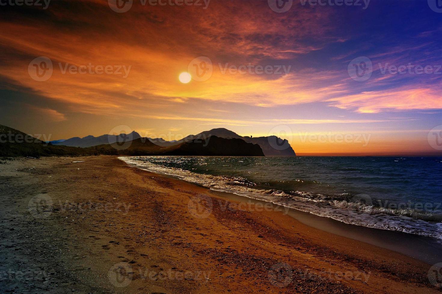 Sea sunset photo