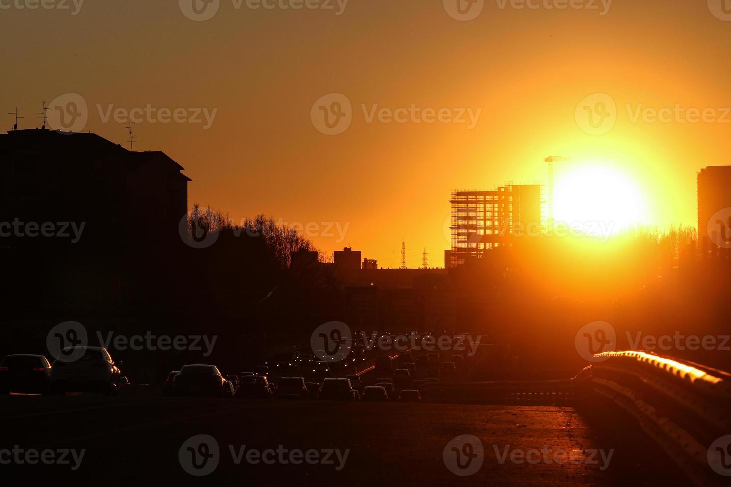 puesta de sol de carretera foto