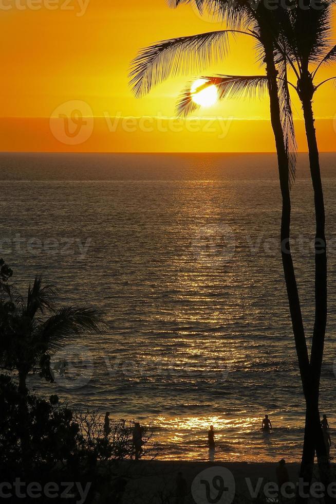 silueta puesta de sol foto
