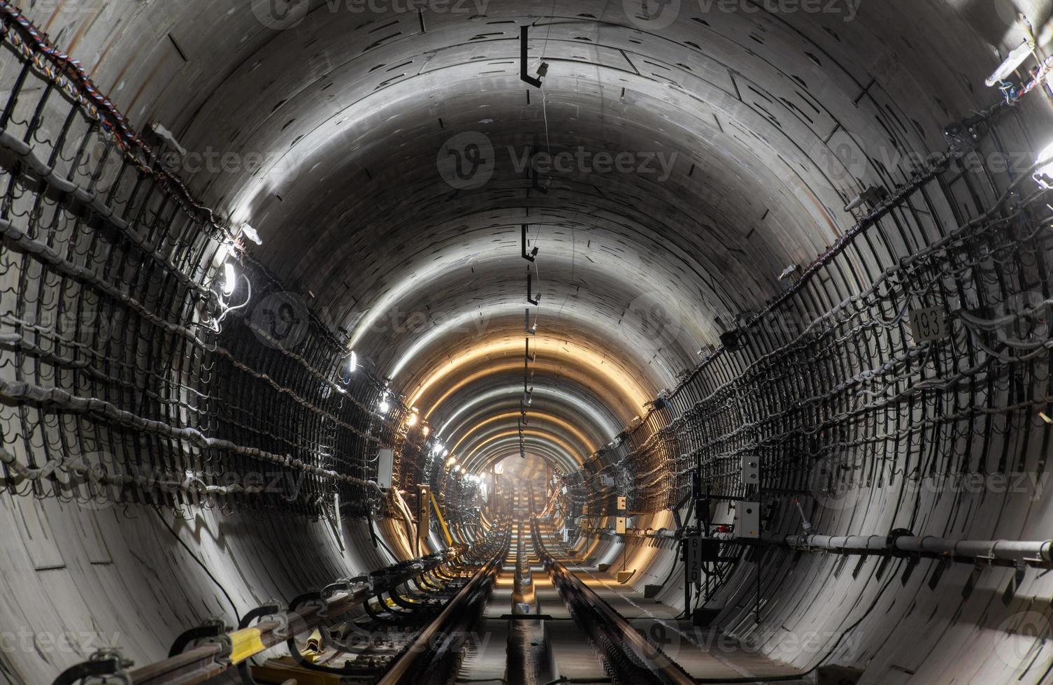 nuevo túnel del metro foto