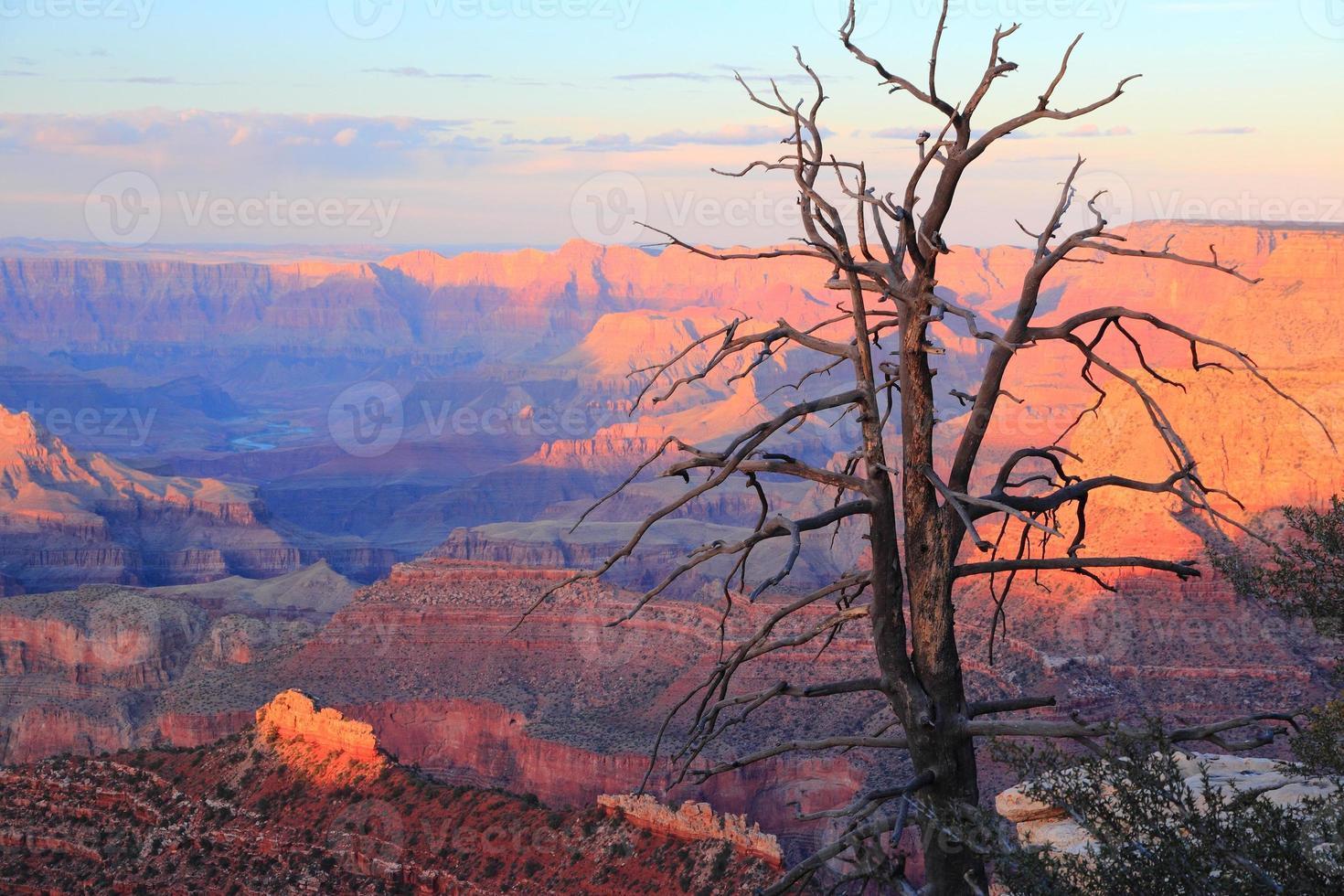 puesta de sol del gran cañón foto