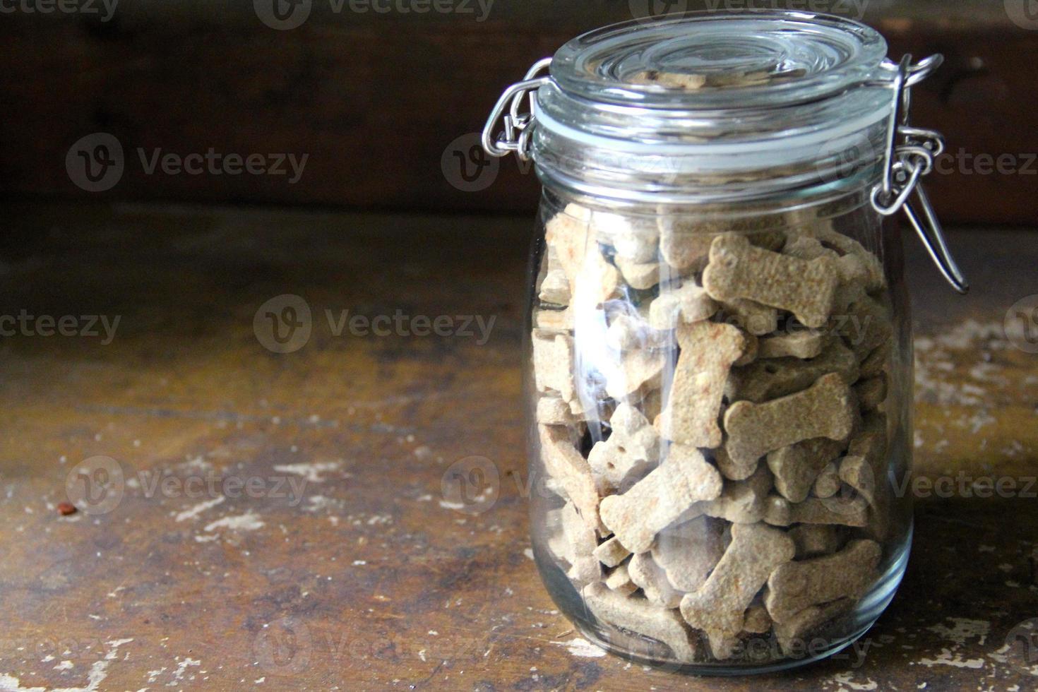 tarro de cristal de galletas para perros foto