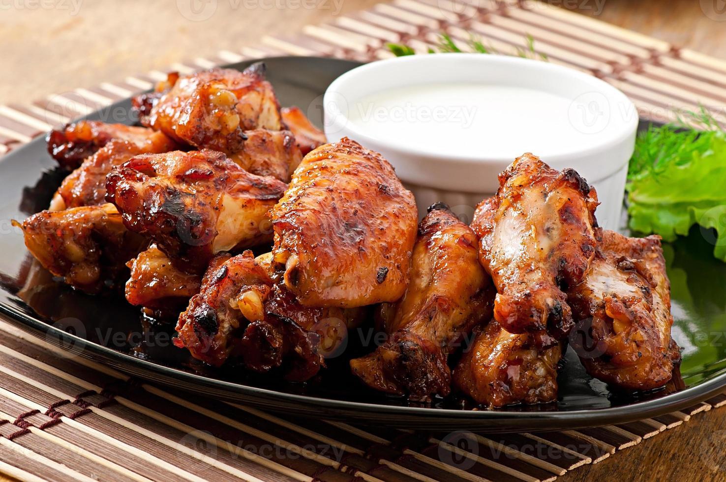alitas de pollo al horno al estilo asiático foto