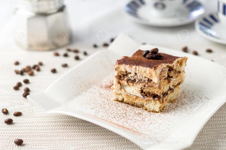 postre de pastel de tiramisú italiano foto