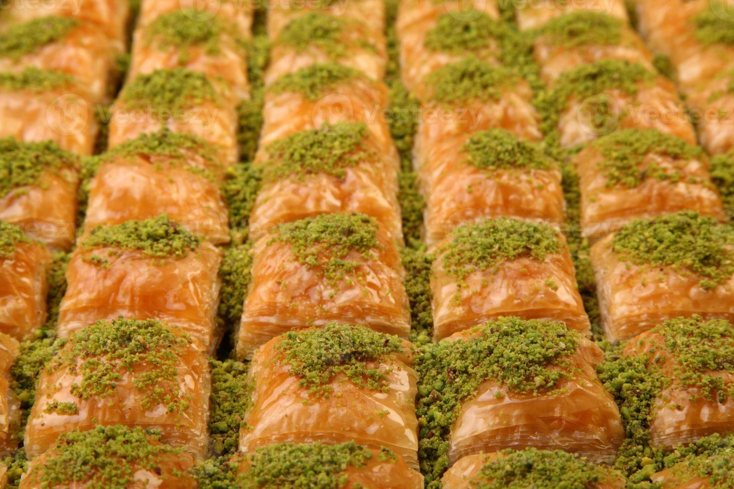 plato de baklava completo foto