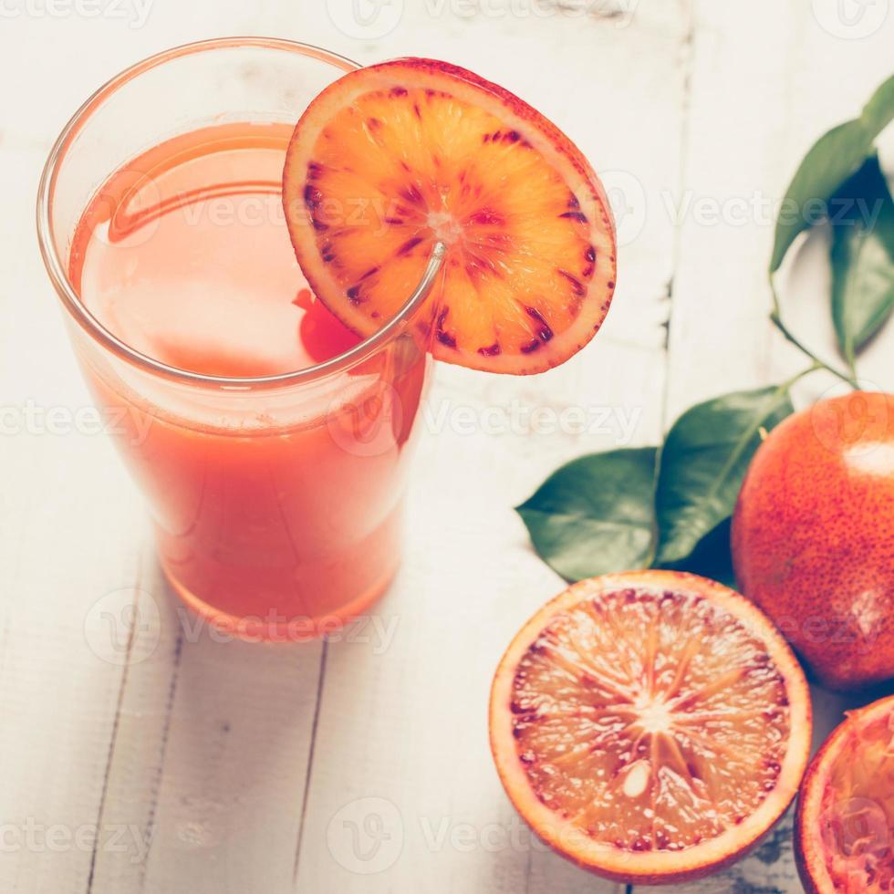 jugo de naranja sangriento foto