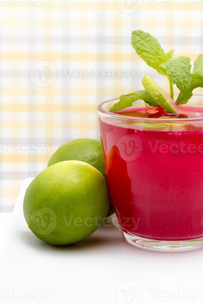 receta de limas en bebida foto