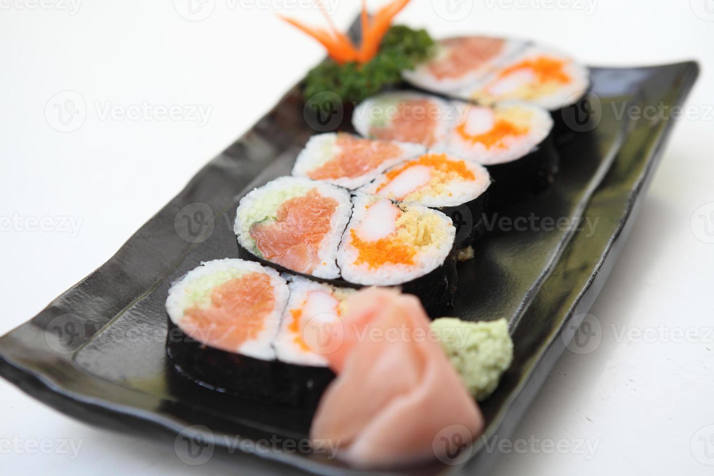 sushi maki de salmón foto