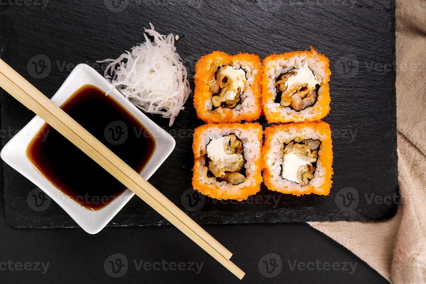 delicioso sushi foto